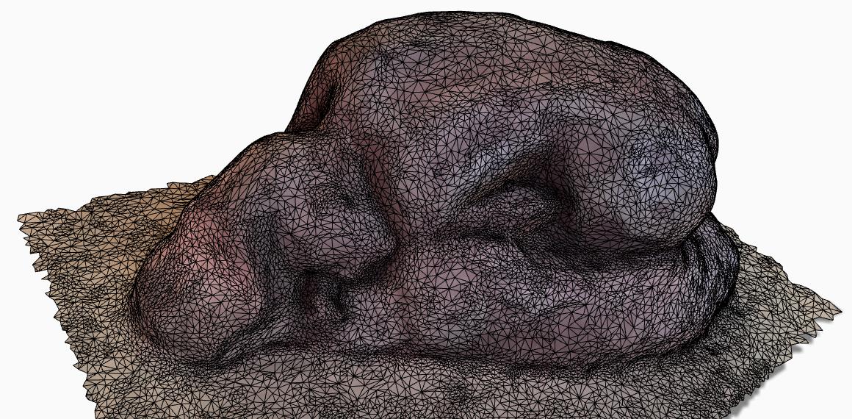 mujer-durmiente-oro-escaneado-3d-2
